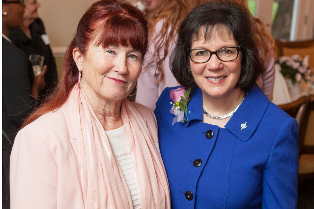 UVA Nursing Associate Dean Christine Kennedy and Sigma President Cathy Catrambone at Beta Kappa Distinguished Nurse Award ceremony